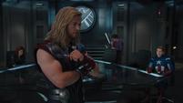 Thor explica los planes de Loki