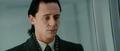 Loki le miente a Thor sobre Odín