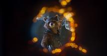 Rocket y Groot sonríen
