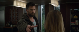 Thor invoca el Rompetormentas frente a Danvers