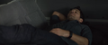 Scott dormido en el auto