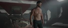 Thor en la habitación de Hulk
