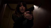 Skye destruye su arma con sus poderes