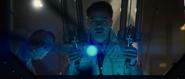 Stark analiza un artefacto
