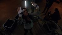 Aida vuelve a usar los guantes