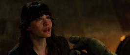 Elizabeth mira a Hulk
