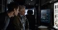 Lang y Pym viendo a Hope en pantalla