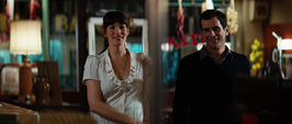 Elizabeth y Samsom llegan a la pizzería