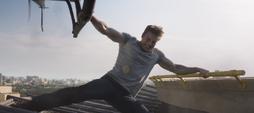 Steve deteniendo el helicoptero