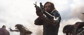 Barnes pelea y dispara contra los Outriders