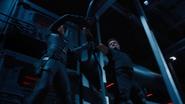 Romanoff y Barton luchan en el Helicarrier
