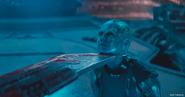 Thanos hace que Nebula levante la cara