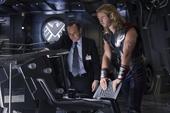 Thor habla con Coulson sobre Foster