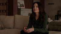 Aida habla con Fitz en el apartamento