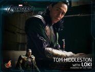 Tom with Loki Hot Toys1