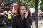 Romanoff habla por teléfono con Rogers