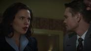 Carter y Thompson se enteran del secuestro de Stark
