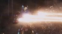Iron Man contraatacando a Thor