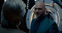 Cross amenaza a Pym