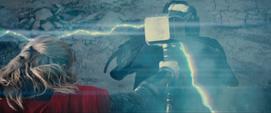 Thor lucha contra Malekith