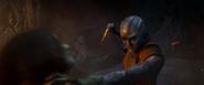 Nebula luchando contra Gamora