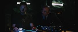 Tony haciendo el Reactor Arc