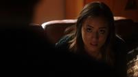 Skye es cuestionada por Coulson