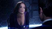 Skye es interrogada