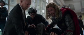 Thor de 2012 salva la vida de Stark