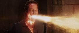 Killian usa sus poderes contra Rhodes