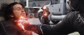 Barnes es salvado por Wanda de ser asesinado