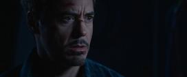 Stark aprende de los planes de Killian