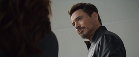 Stark le advierte a Romanoff