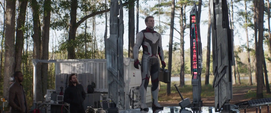 Rogers activa su traje