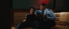 Tony y Rhodes dentro del avión