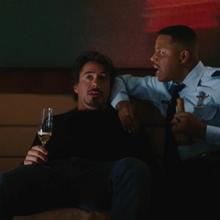 Tony y Rhodes dentro del avión.png