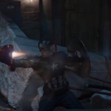Rogers intenta detener a Stark.png