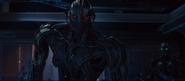 Ultron localiza a Helen