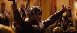 Thor disfrutando del evento