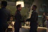 Wilson estrecha la mano de Stark