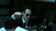 Murdock a punto de chocar puños