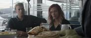 Rogers y Romanoff se reúnen con Banner en cafetería