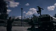 Mace y Coulson atacan el autobús de HYDRA