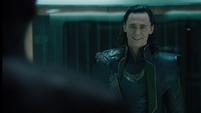 Loki confronta a Fury