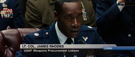Rhodes declaranco en la audiencia