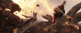 Stark lanza misiles contra Thanos