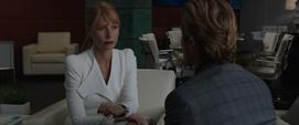Potts y Killian hablan de negocios