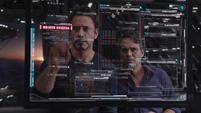 Stark y Banner aprenden de los secretos de SHIELD