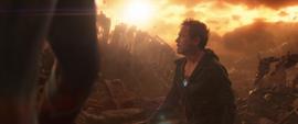Stark ve desaparecer a sus amigos