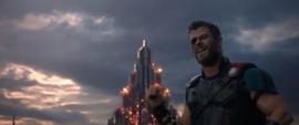 Thor señalando a Surtur
